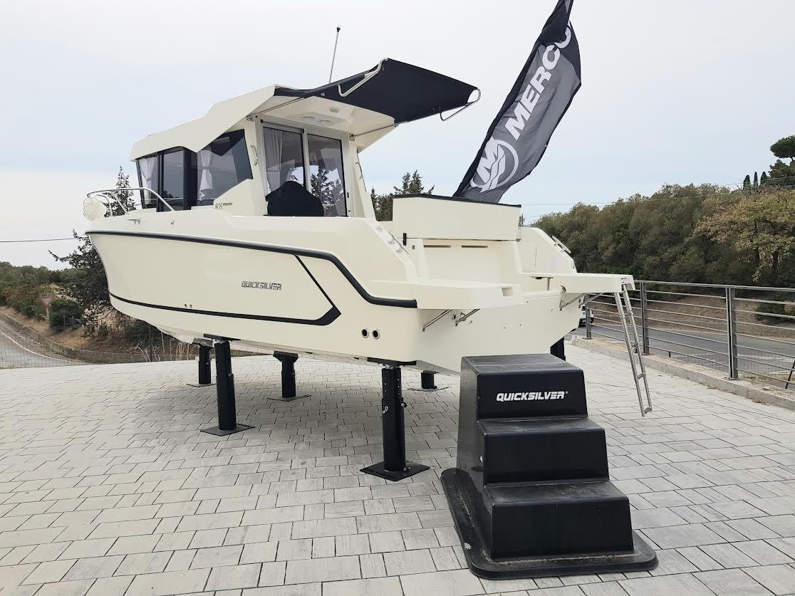 Quicksilver 805 Captur Pilothouse Pronta Consegna